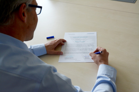"""TEST-FUCHS - """"We give the future"""": TEST-FUCHS signs apprentice charter 2021"""