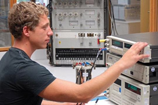 TEST-FUCHS   Calibration Service